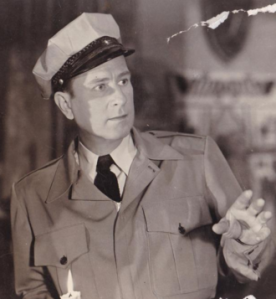 Bud_Abbott_in_a_crop_from_a_promotional_photograph_for_Abbott_and_Costello_Meet_Frankenstein_in_1948